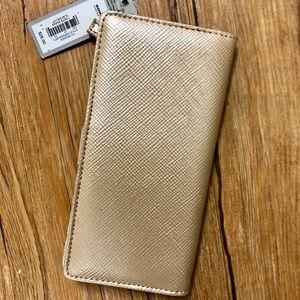 NWT gold apt 9 wallet